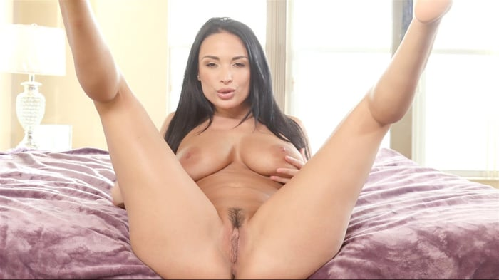 Anissa Kate in MILF Alarm